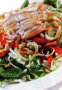 Салат с курицей в кунжуте