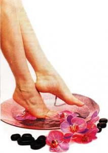 Косметичка у ног