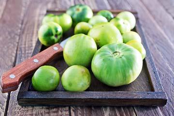 с зелеными томатами